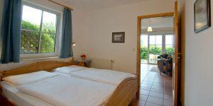 Bett in der Ferienwohnung vom Haus Seeblick im Ostseebad Binz auf Rügen