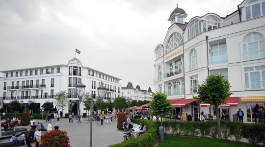 Flaniermeile und Strandpromenade im Ostseebad Binz auf Rügen