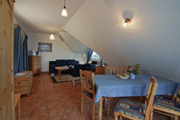 Wohzimmer des Apartments vom Haus Seeblick im Ostseebad Binz auf Rügen